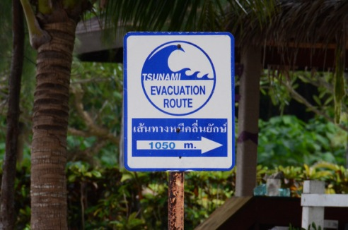 tsunami-warning-thailand1